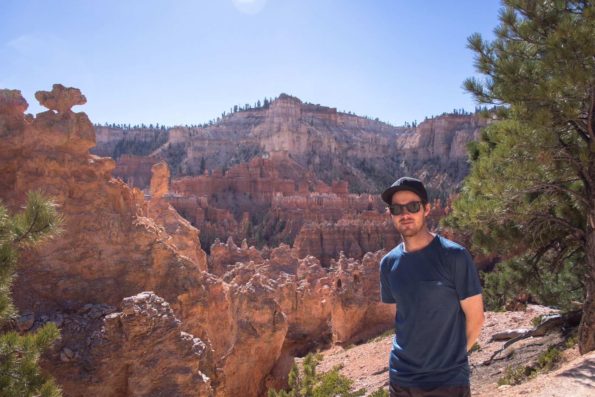 Cal-on-the-Queen's-Garden-Trail,-Bryce-Canyon-National-Park