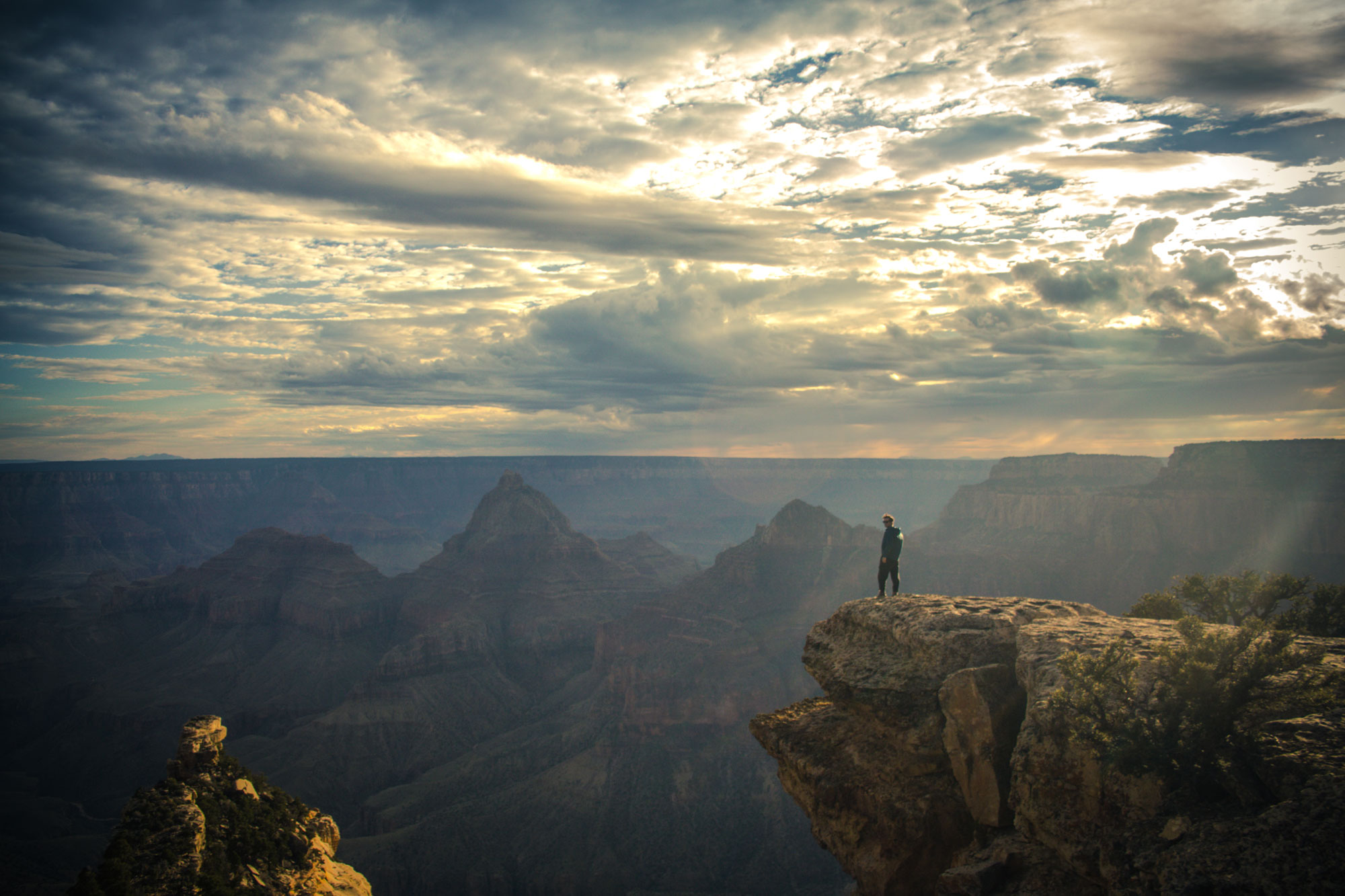 Cal peering over the Grand Canyon National Park